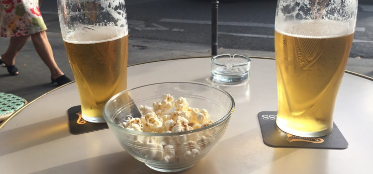 beer and popcorn for happy hour in Paris