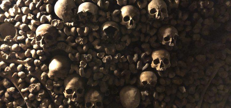 Paris Catacombes skulls in heart