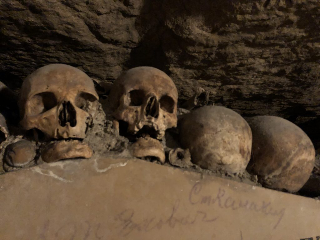Paris Catacombes skulls lined up