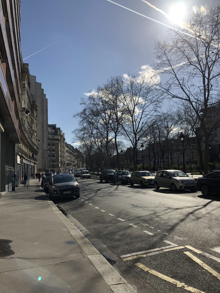 clear day and blue skies, walking in Paris during confinement