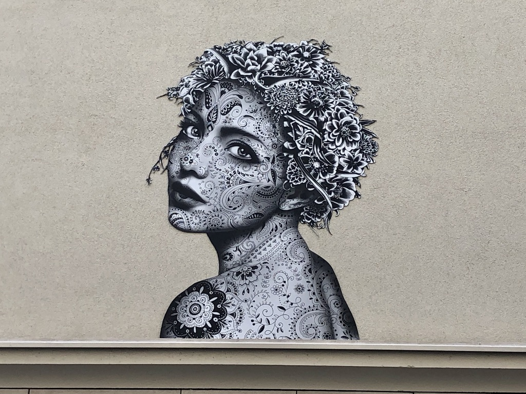 aydar Paris street art black and white woman