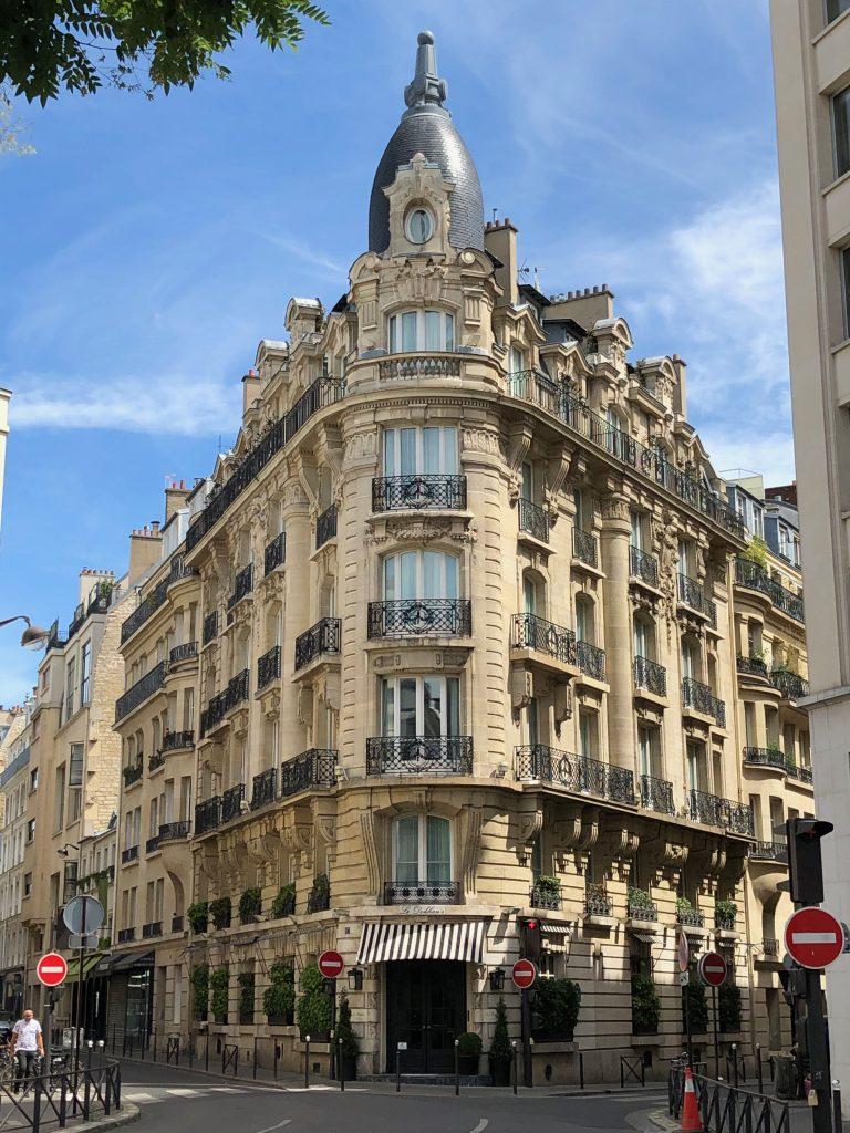 Haussmann architecture in the 16th arrondissment of Paris